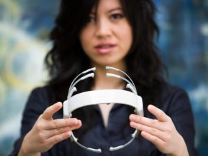 Device for reading brainwaves